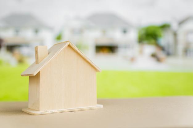 ¿Es más conveniente comprar una propiedad lista o un terreno para construir?